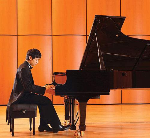 贵阳钢琴演奏家