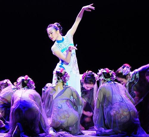 重庆民族舞蹈表演